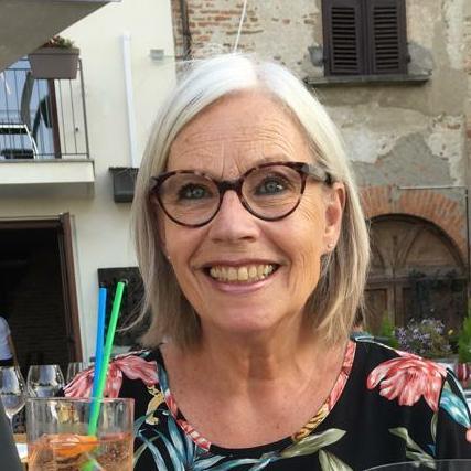 Foto van Jose Marie. Zij heeft een reviews gegeven en wat klanten over mij zeggen over Desirée Braams Coaching bij Dees
